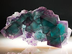 http://www.livemaster.ru/topic/249425-flyuorit-svojstva-i-amulety